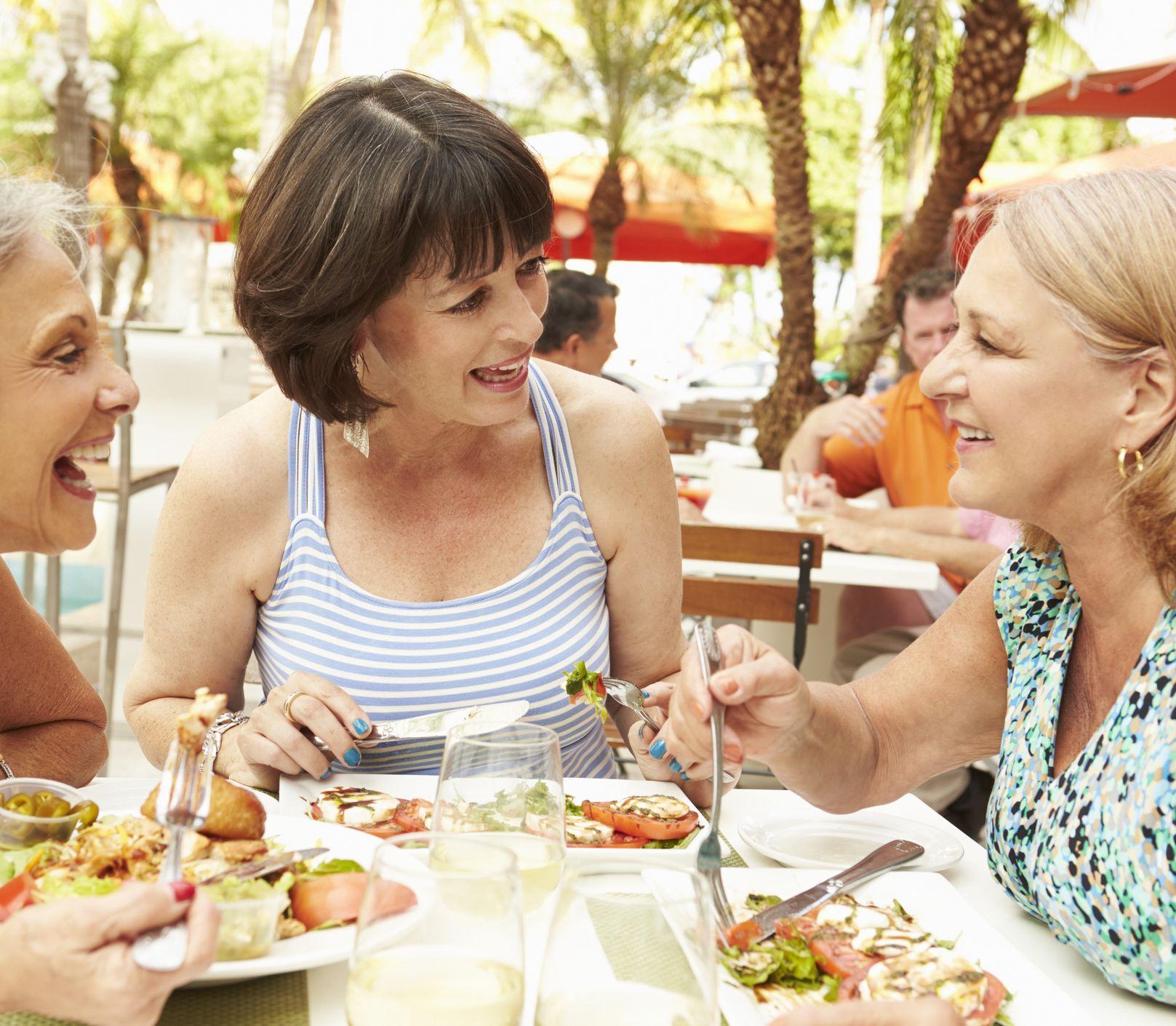 Tipy, čo jesť vonku a nepriberať: Ako si vychutnať reštaurácie bez výčitiek?