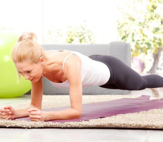 Jeden cvik, mnoho výhod: Vyskúšajte planking a posilnite celé telo