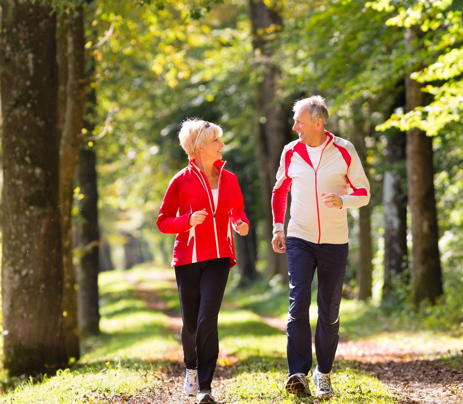 Beh je skvelý celoročný šport: Čo jesť pred, počas a po bežeckom tréningu?