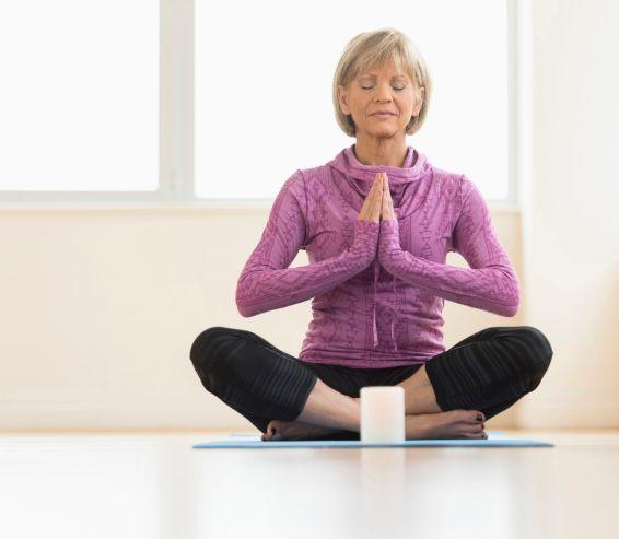 Pre nižší tlak, krásne telo aj proti depresii: Skúšali ste už jogu?