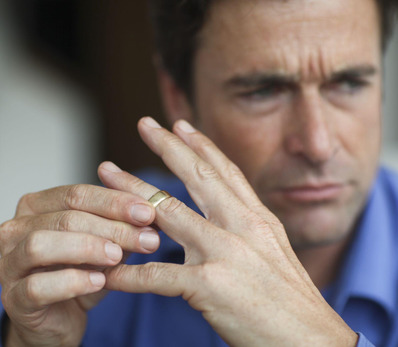 Kto trpí rozchodom viac: Muži alebo ženy?
