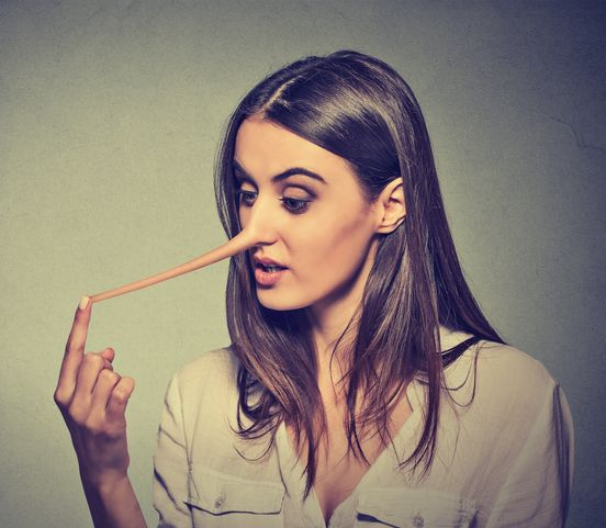Viete, kedy vám ľudia klamú? Zistite, ako rozoznať pravdu od lži!