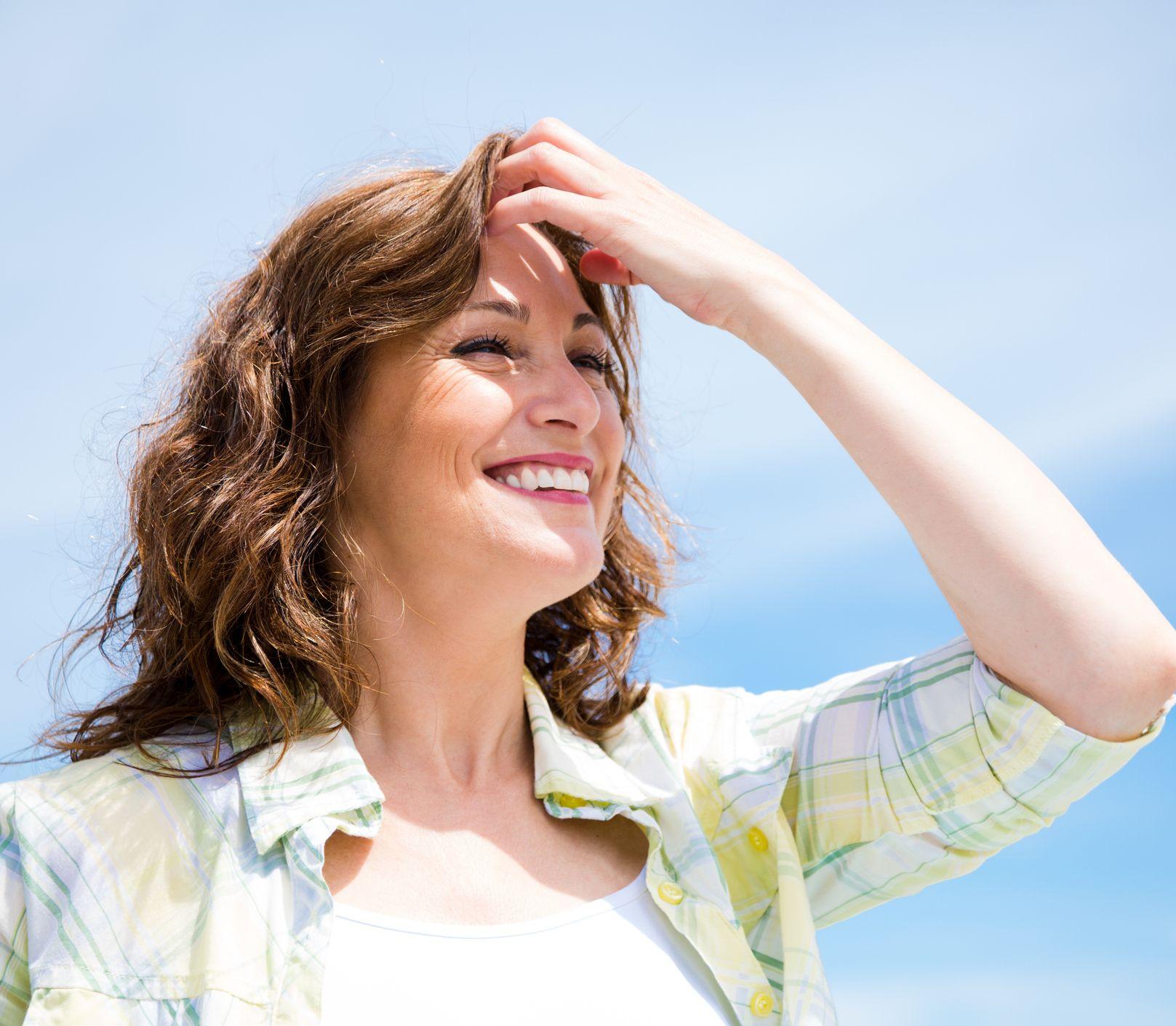 Nedovoľte slnku zničiť vaše vlasy: Postarajte sa o ne ešte počas leta
