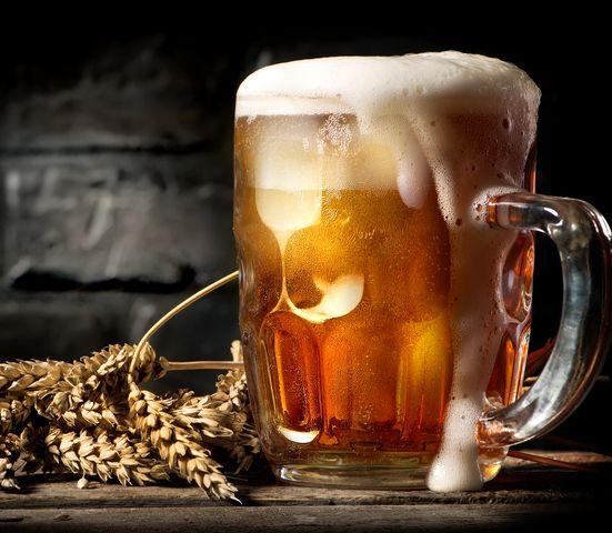 Pivo je užitočné v domácnosti aj kozmetike: Odhaľte silu zlatého moku!