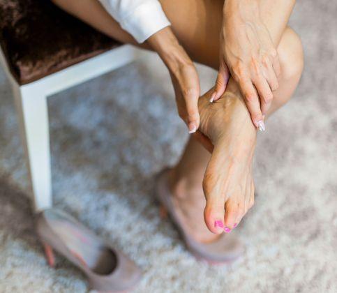 Stop boľavým chodidlám: Zbavte sa otlakov a pľuzgierov a získajte späť ľahký krok