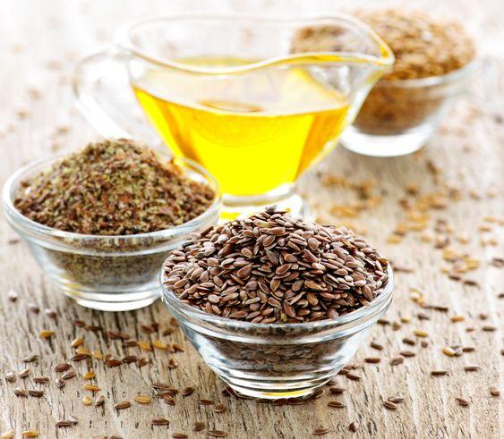 Ľanový olej pre krajšiu pleť a pevnejšie zdravie: Doprajte si za lyžičku každý deň