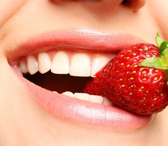 VIDEOTIP Zbavte sa zubného kameňa a povlaku: Stačia tieto dve ingrediencie