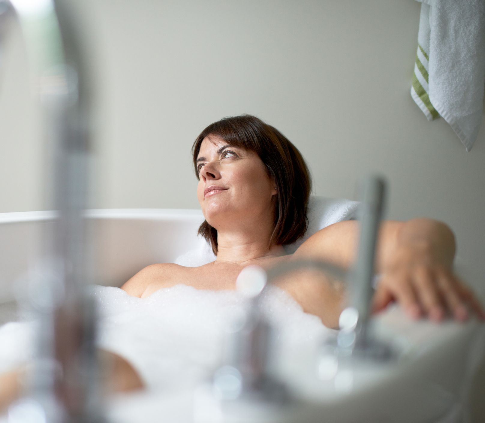 Pomôžu relaxovať i zlepšia náladu: Ako používať esenciálne oleje do kúpeľa?