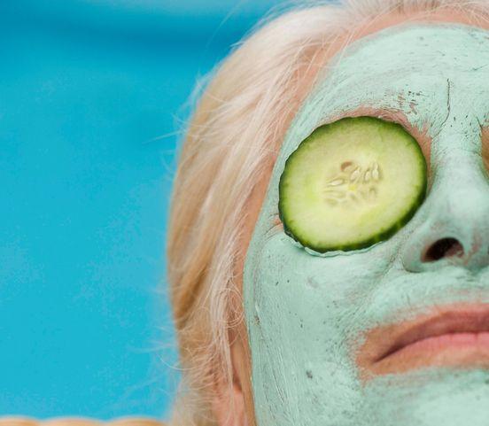 Masky na tvár dodajú zrelej pokožke iskru: Ktorú z nich vyskúšate?