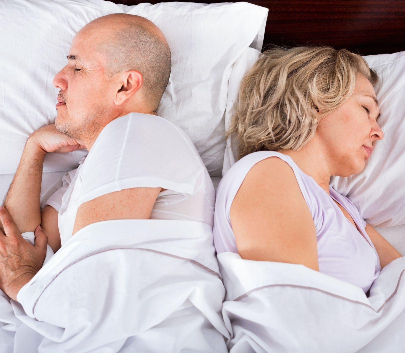 Keď muži strácajú záujem o sex: Čo robiť, aby to v posteli opäť klapalo?