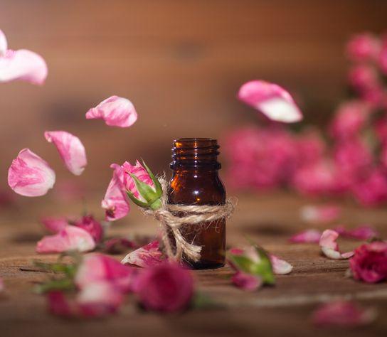 Vône, ktoré zlepšia nielen milostný život: Vyskúšajte tieto éterické oleje
