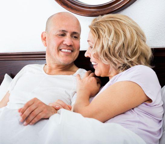 Sex po päťdesiatke: Čo všetko sa v posteli zmení vekom?