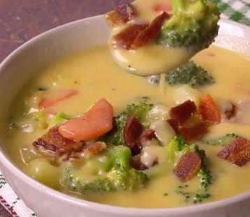 VIDEOTIP Vyskúšali ste už syrovo-zeleninovú polievku? Oplatí sa!
