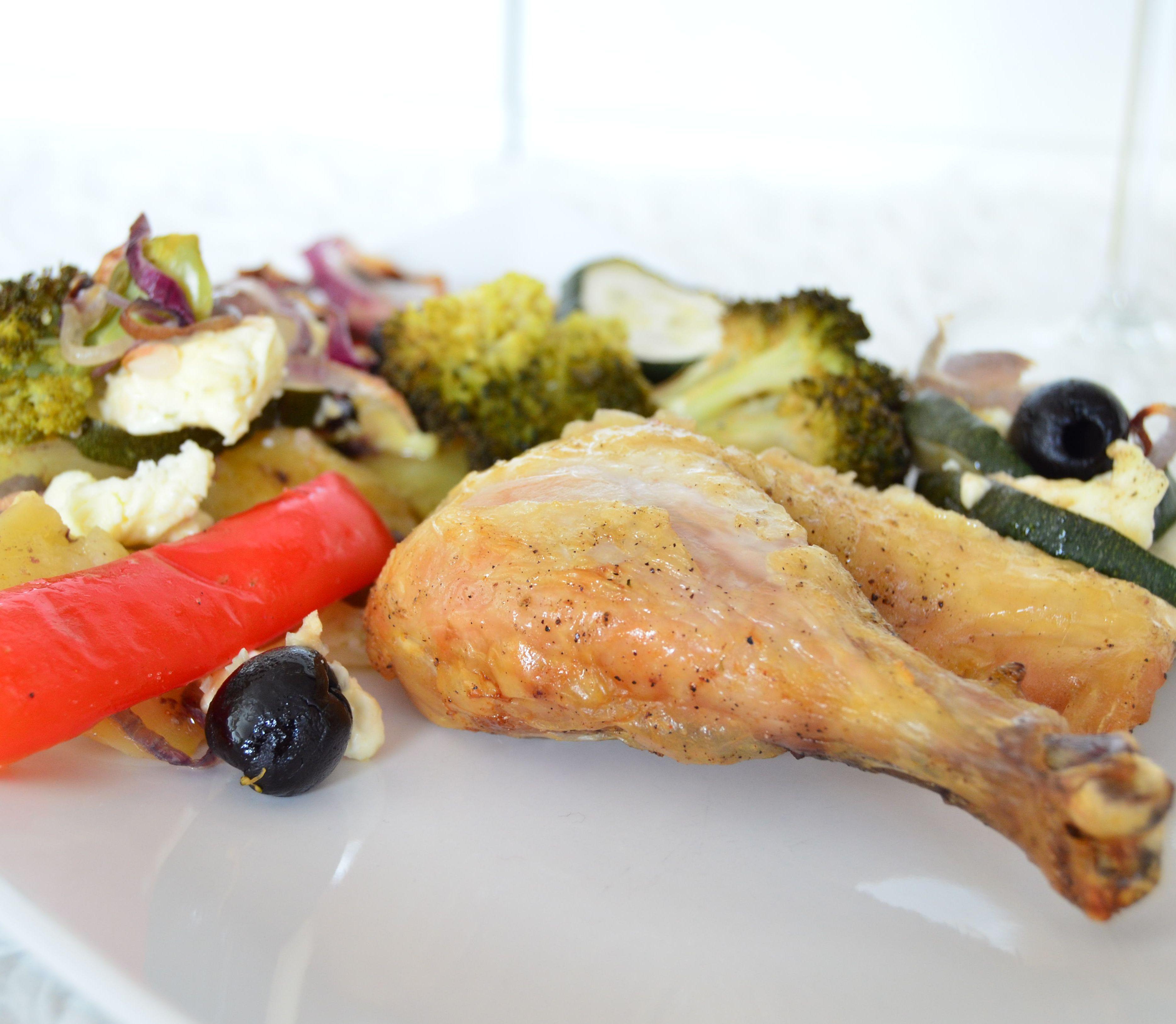 FOTORECEPT Kura po grécky so zeleninou a syrom: Parádny nedeľný obed bez námahy
