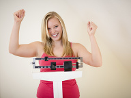 Účinná taktika ako zabrániť priberaniu: Stačí sa postaviť na váhu!