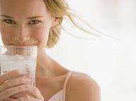 Citrónová voda už nie je najúčinnejšia: Tieto 3 nápoje ju bez problémov tromfnú!