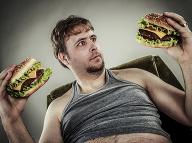 Po tomto dáte fastfoodu raz a navždy stopku: Čo sa stane v priebehu hodiny, keď zjete hamburger!