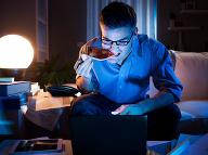 4 prekvapujúce výhody, prečo jesť pred spaním