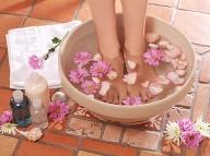 Prvá pomoc pri nádche a únave: Teplý kúpeľ nôh dokáže divy!