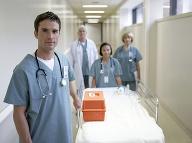 Zmeny nielen na pohotovostiach: Budú lekári slúžiť menej?