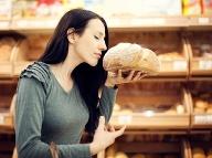 Túto CHYBU pri kúpe pečiva už nikdy nerobte: Z následkov sa vám bude obracať i žalúdok!